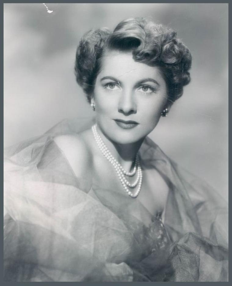 Joan FONTAINE '40-50 (22 Octobre 1917) (soeur de Olivia De HAVILLAND)