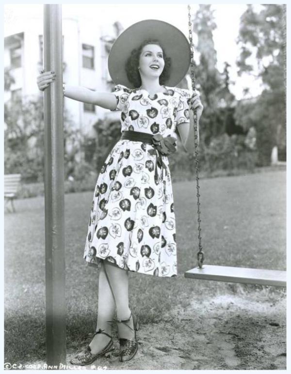 Ann MILLER '40-50 (12 Avril 1923 - 22 Janvier 2004)