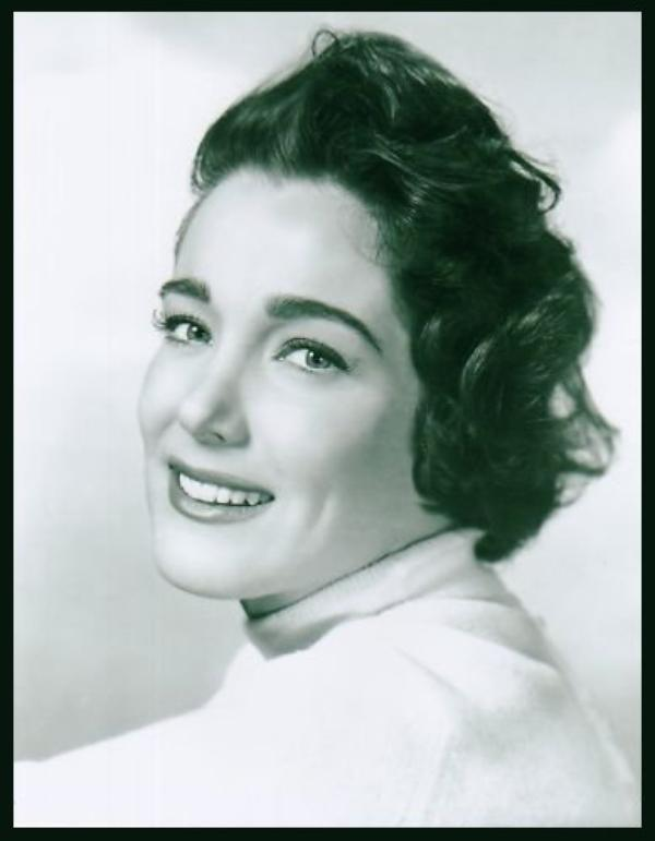 Julie ADAMS '50 (17 Octobre 1926)