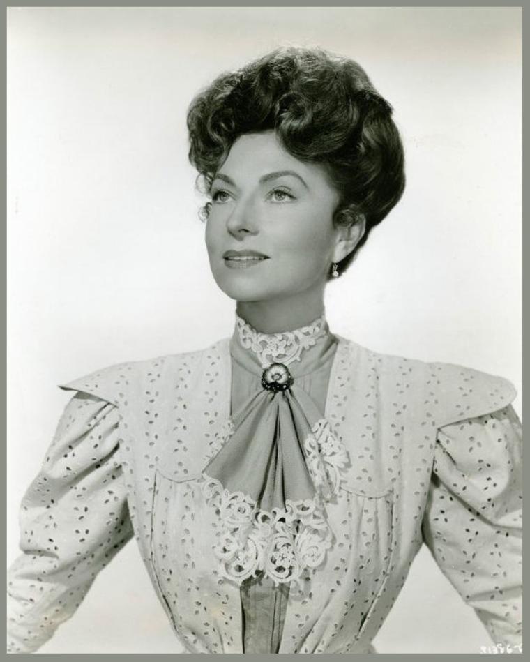 Agnes MOOREHEAD '40-50 (6 Décembre 1900 - 30 Avril 1974)
