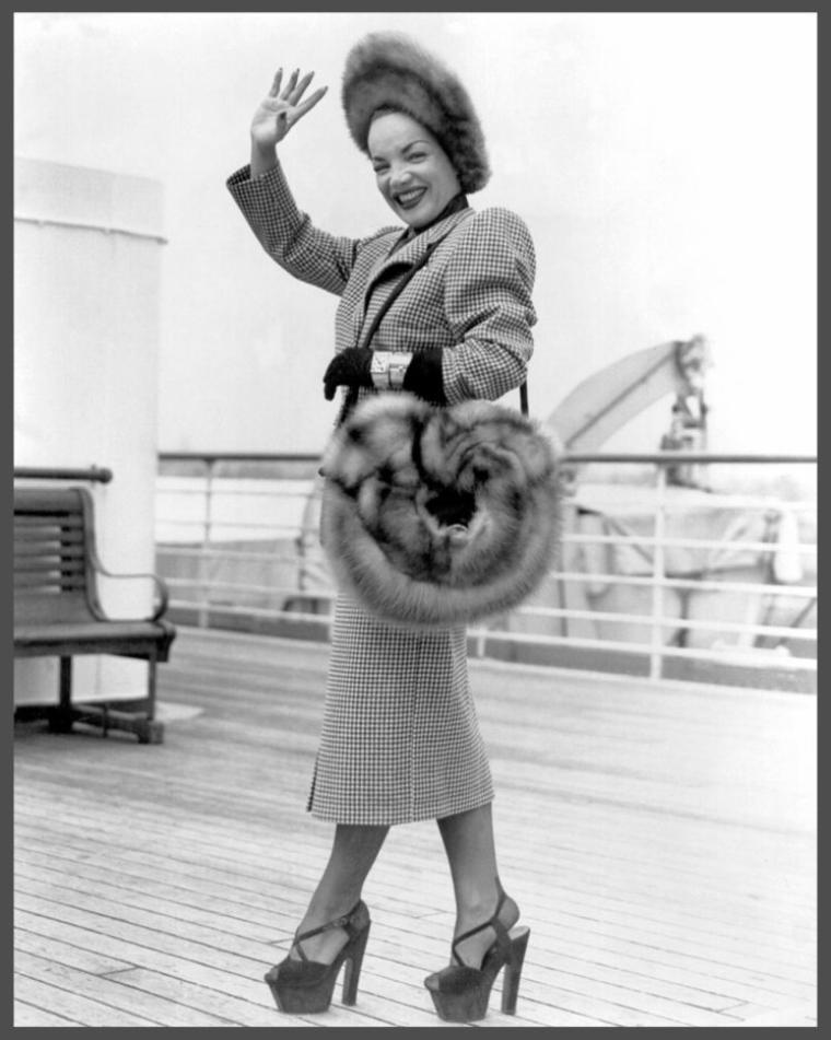 Carmen MIRANDA '40 (9 Février 1909 - 5 Août 1955)