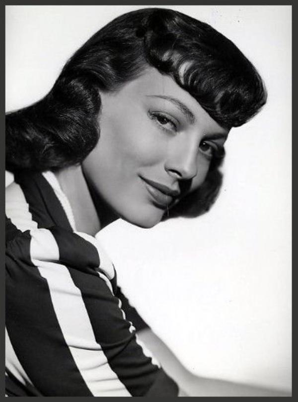 Faye EMERSON '40 (8 Juillet 1917 - 9 Mars 1983)