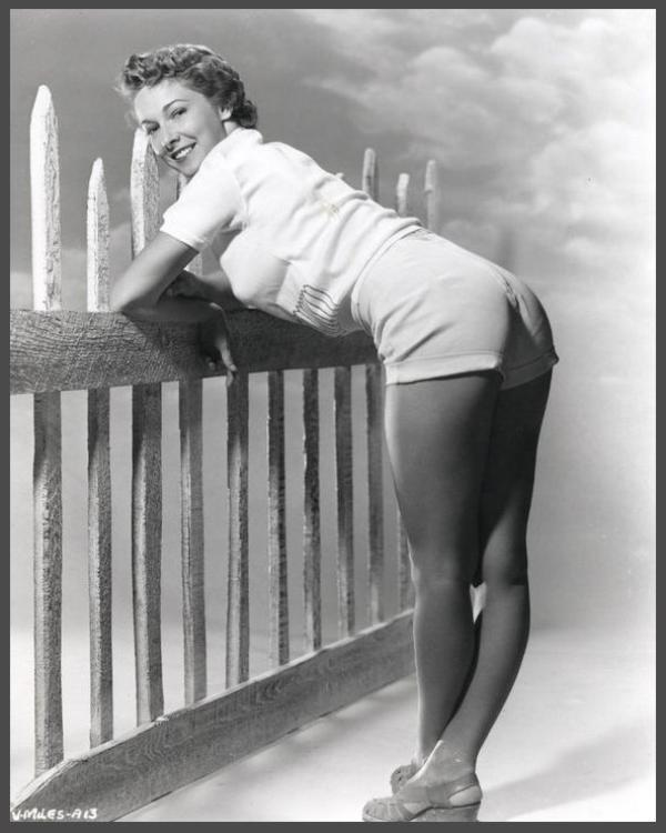 Vera MILES '40-50 (23 Août 1930)