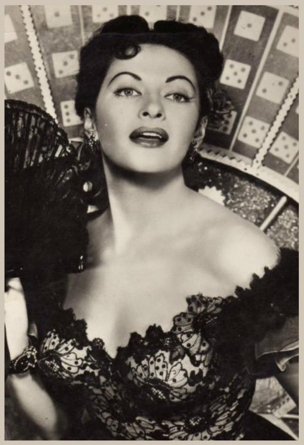 Yvonne De CARLO '40-50 (1er Septembre 1922 - 8 Janvier 2007)