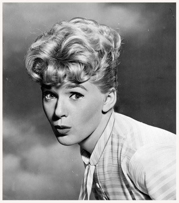 Connie STEVENS '50-60 (8 Août 1938)