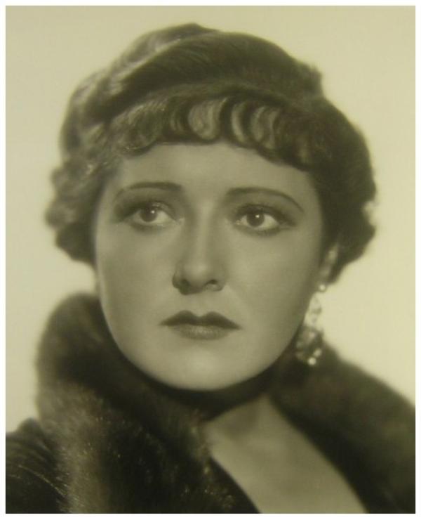 Vivienne OSBORNE '30 (10 Décembre 1896 - 10 Juin 1961)