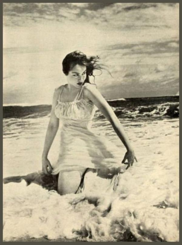 Julie NEWMAR '50-60 (16 Août 1933)