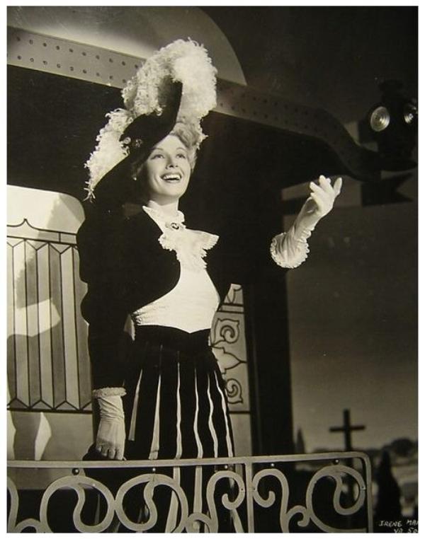 Irene MANNING '30-40 (17 Juillet 1912 - 28 Mai 2004)