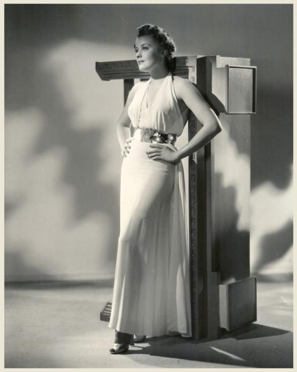 Joan MARSH '30 (10 Juillet 1913 - 10 Août 2000)