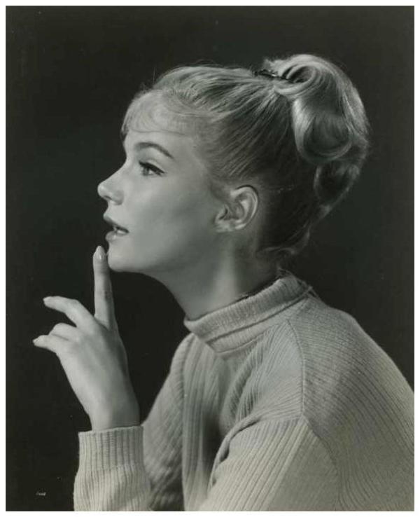 Yvette MIMIEUX '60 (8 Juin 1942)