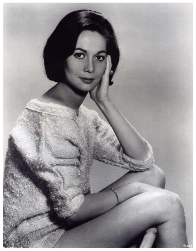 Nancy KWAN '60 (19 Mai 1939)