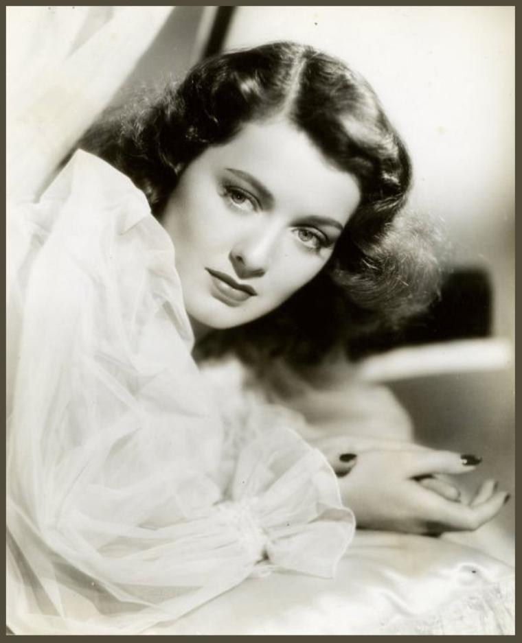 Ellen DREW '30-40 (23 Novembre 1915 - 3 Décembre 2003)