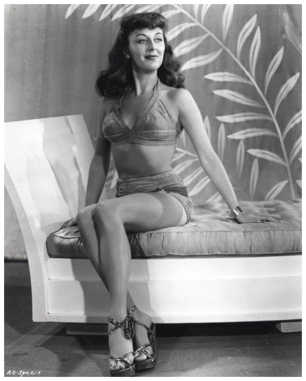 Ann DVORAK '30-40 (2 Août 1911 - 10 Décembre 1979)