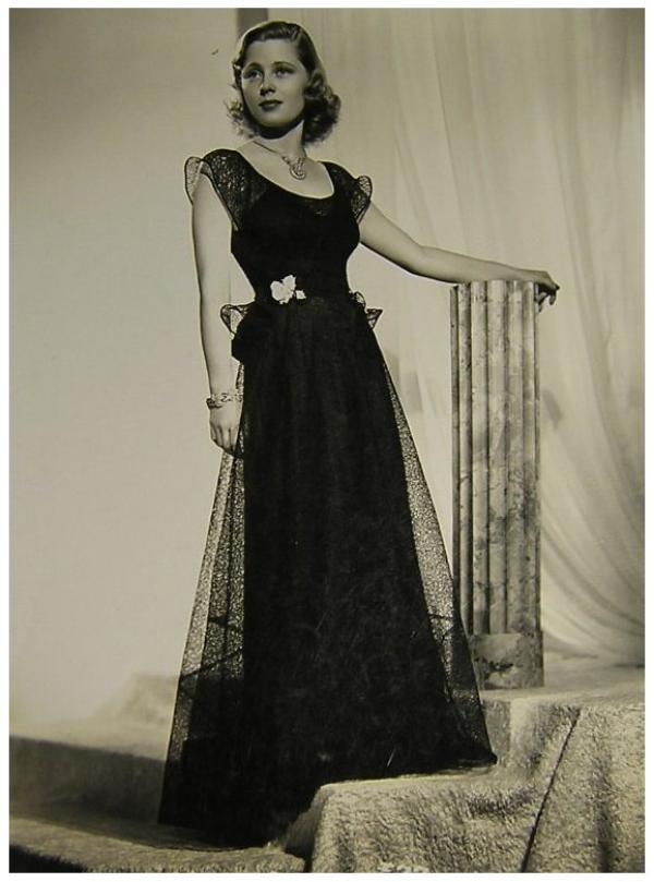 Mary CARLISLE '30-40 (3 Février 1912)