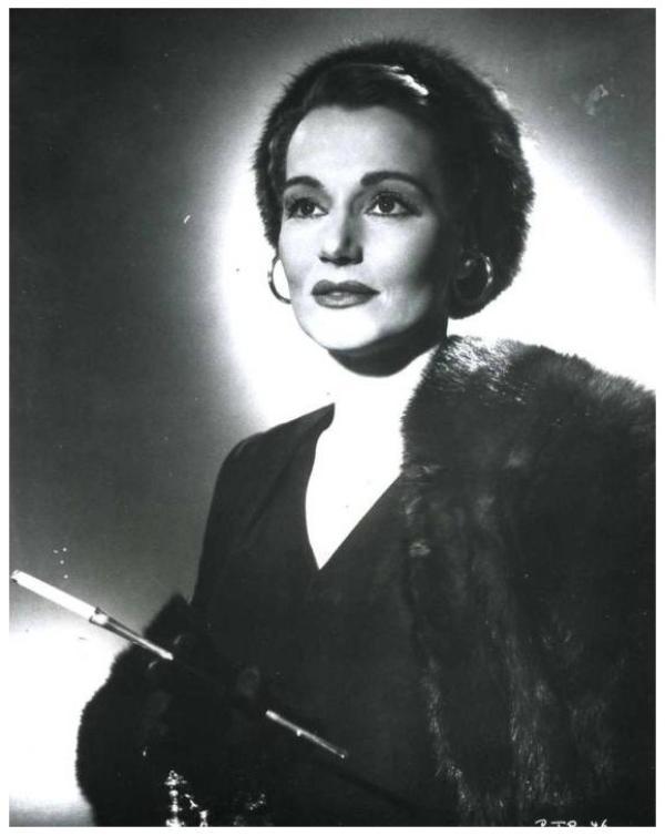 Constance CUMMINGS '30-40 (15 Mai 1910 - 23 Novembre 2005)
