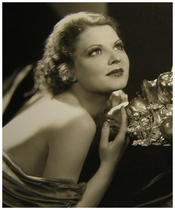 Lilian BOND '30 (18 Janvier 1908 - 25 Janvier 1991)