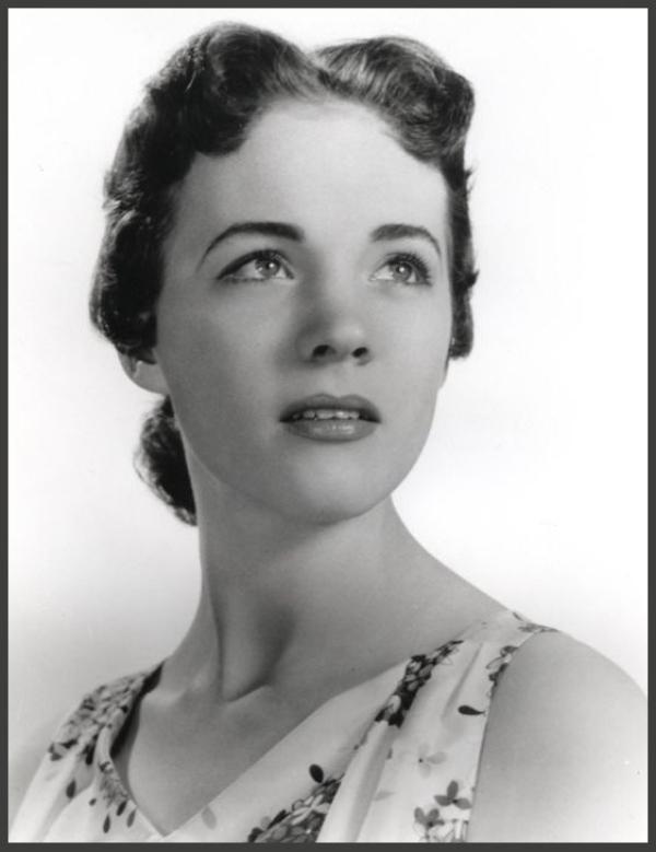 Julie ANDREWS '50 (1er Octobre 1935)