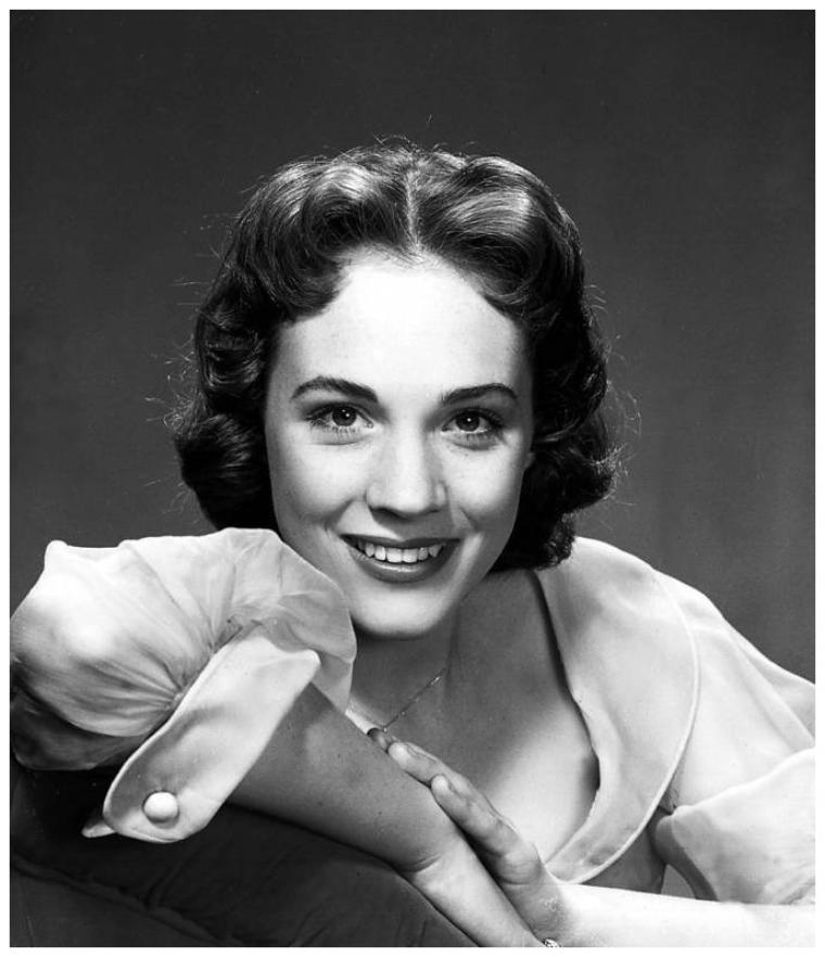 Julie ANDREWS '50 (1er Octobre 1935)