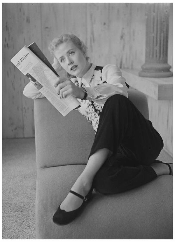 Joyce HOLDEN '50 (1er Septembre 1930)