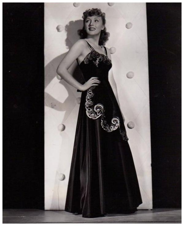 Muriel ANGELUS '30-40 (10 Mars 1909 - 26 Juin 2004)