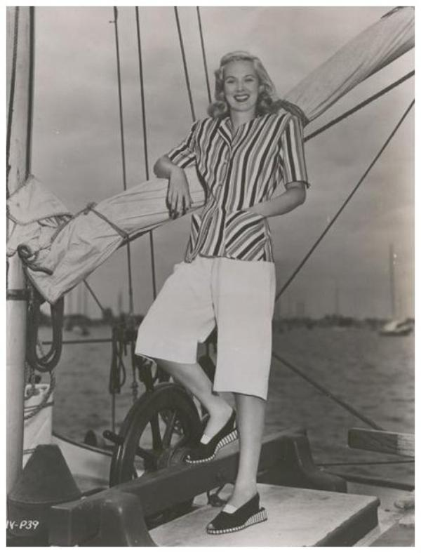 June VINCENT '40 (17 Juillet 1920 - 20 Novembre 2008) (1 photo de June aux côtés de Loretta YOUNG et Anne GWYNNE)