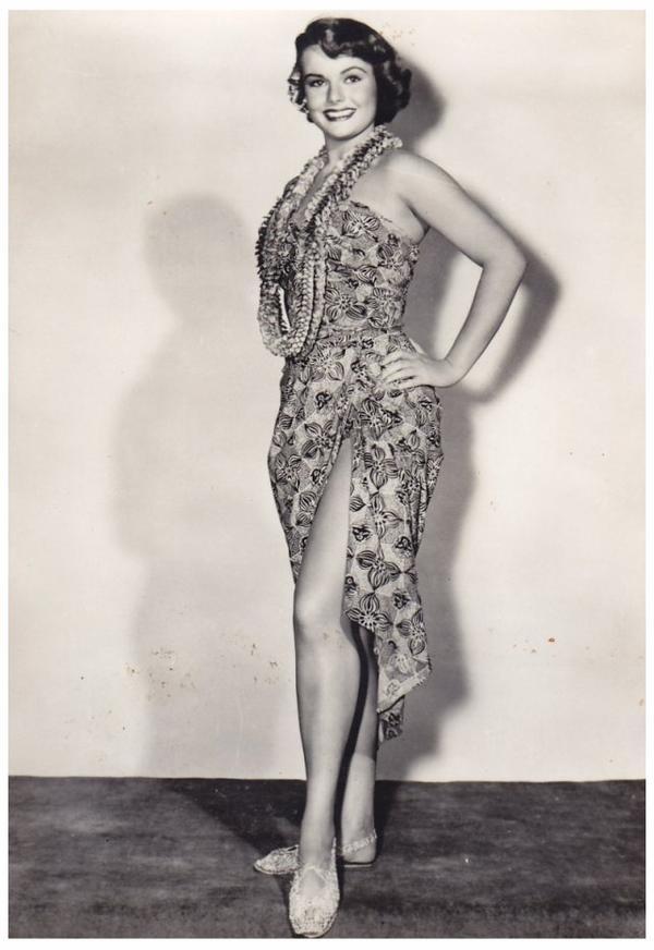 Myrna HANSEN '50 (5 Août 1934) (1 photo de Myrna aux côtés de Mamie Van DOREN, Allison HAYES et Colleen MILLER)
