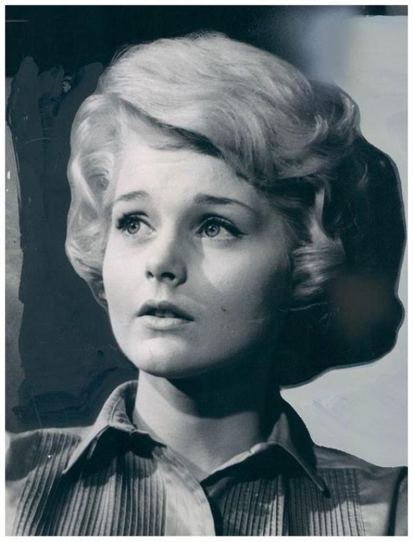 Carol LYNLEY '50-60 (13 Février 1942)