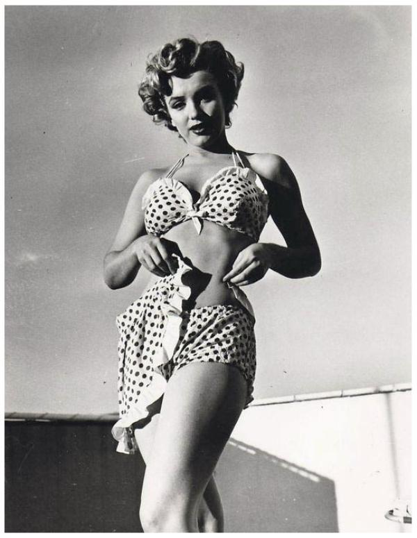 """En remerciement pour mon """"inconnue"""" Lyne, 8 NOUVELLES photos de... Marilyn MONROE '40-50-60"""