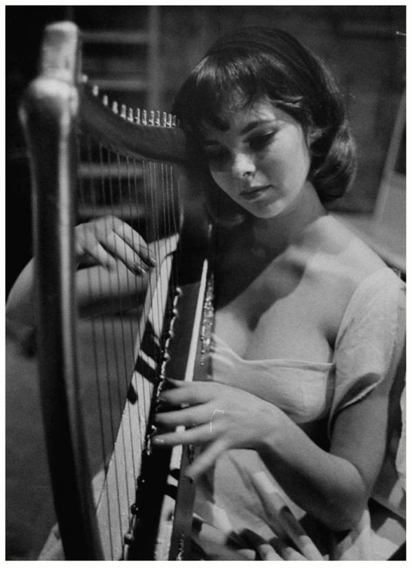 Anne HELM '50-60 (12 Septembre 1938)