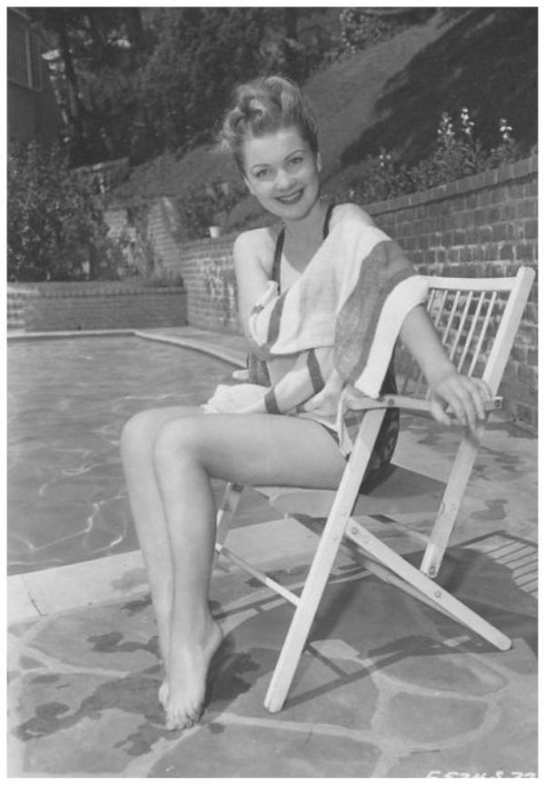 8 NOUVELLES photos d'Anne BAXTER '40-50