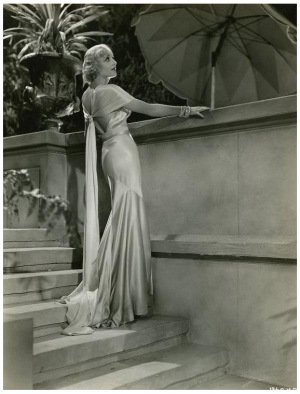 """""""Et celle-ci de robe, Lyne ? n'est elle pas craquante ?..."""" Carole LOMBARD '30"""
