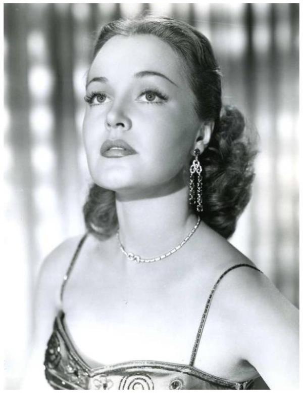 Dorothy HART '40-50 (4 Avril 1922 - 11 Juillet 2004)