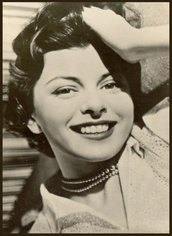 Joan RICE '50 (3 Février 1930 - 1er Janvier 1997)