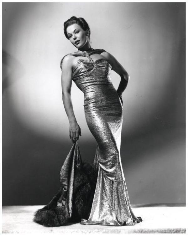 Joan WOODBURY '30-40-50 (17 Décembre 1915 - 22 Février 1989)