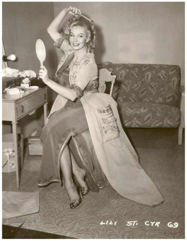 Lili St CYR '50 (3 Juin 1918 - 29 Janvier 1999)