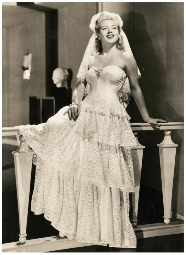 8 NOUVELLES photos de Lana TURNER '40-50