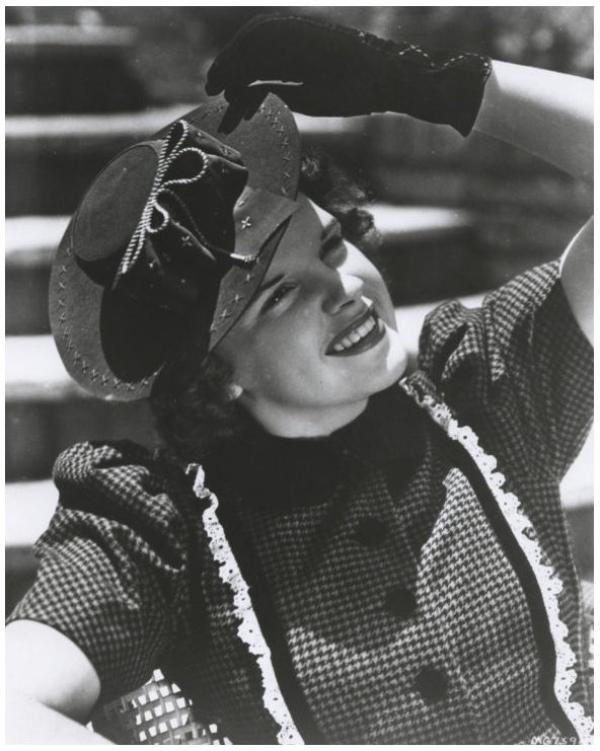 8 NOUVELLES photos de Judy GARLAND '30-40