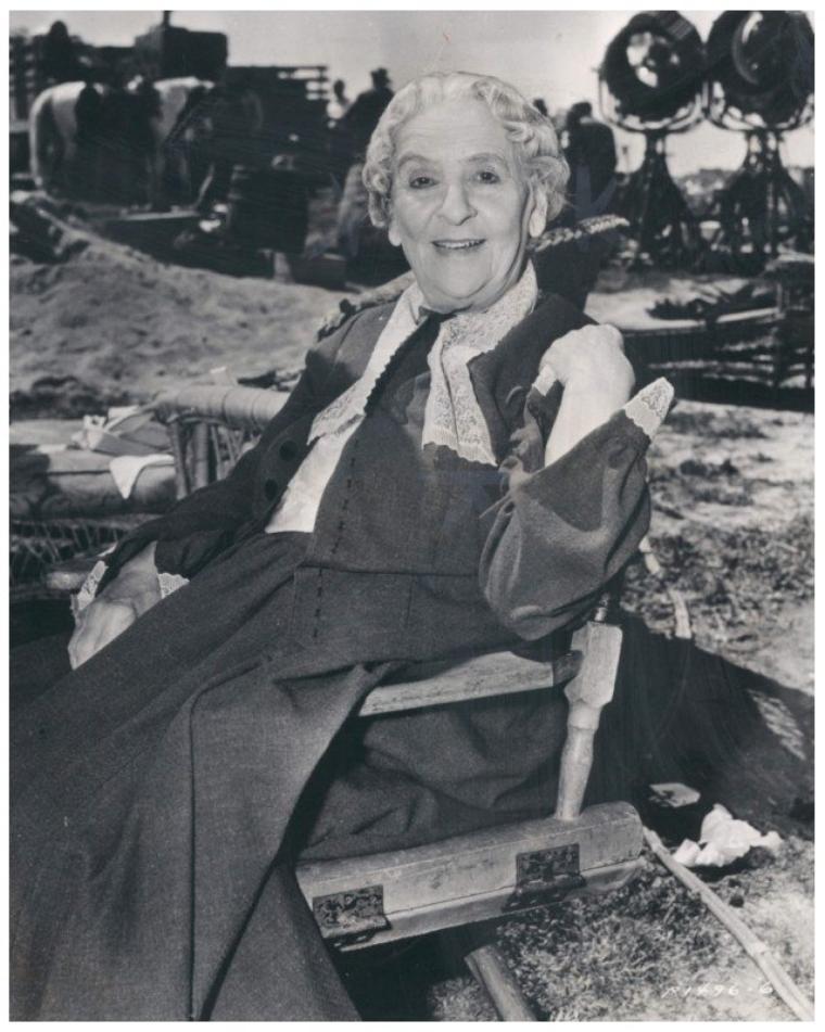 May ROBSON '30-40 (19 Avril 1858 - 20 Octobre 1942) (1 photo de May aux côtés d'Anna NEAGLE)