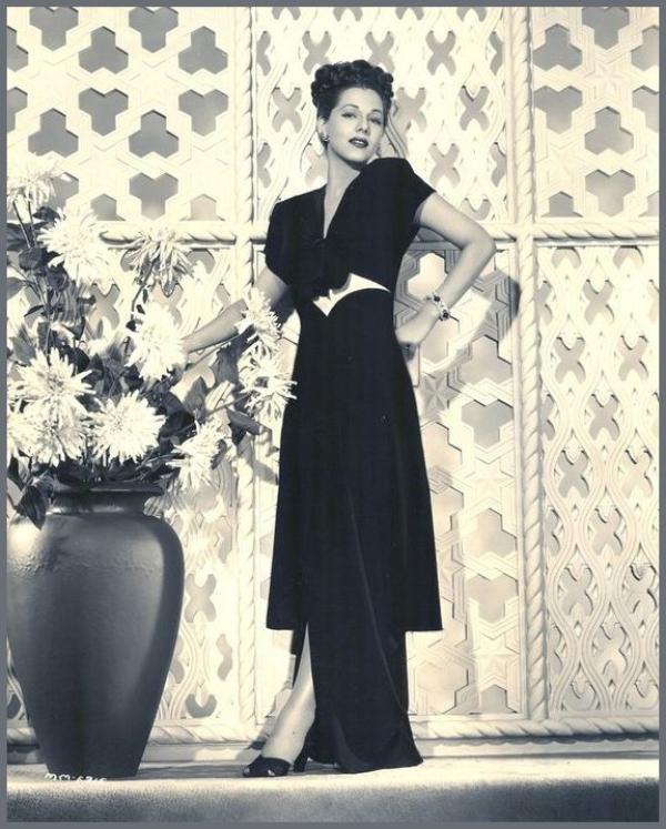 8 NOUVELLES photos de Maria MONTEZ '30-40