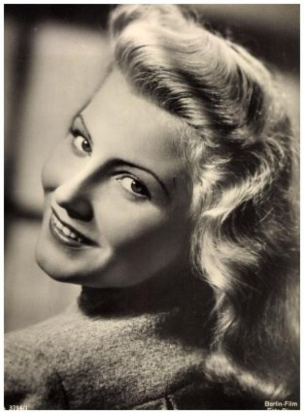 Winnie MARKUS '40-50 (16 Mai 1921 - 8 Mars 2002)