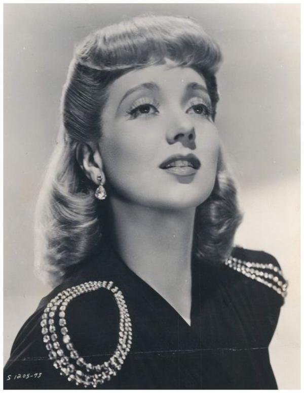 8 NOUVELLES photos d'Ann SOTHERN '30-40