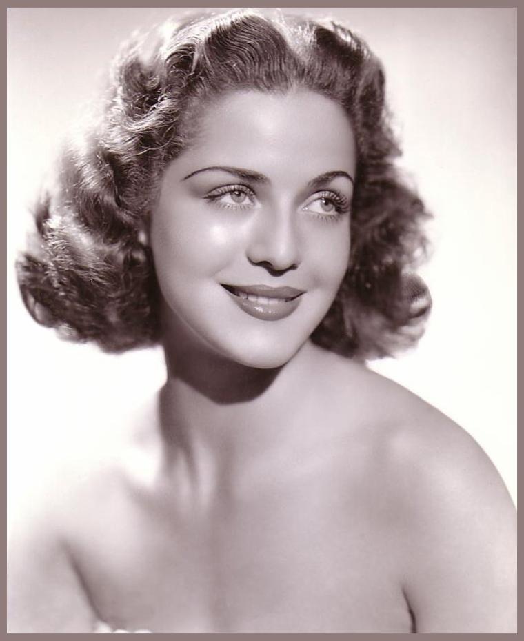 Carol BRUCE '40 (15 Novembre 1919 - 9 Octobre 2007)