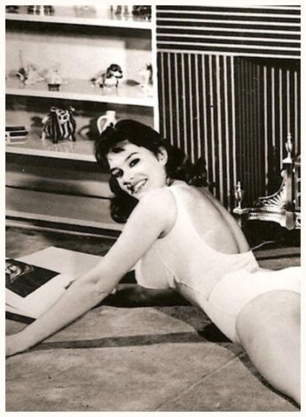 June WILKINSON '50-60 (27 Mars 1940)