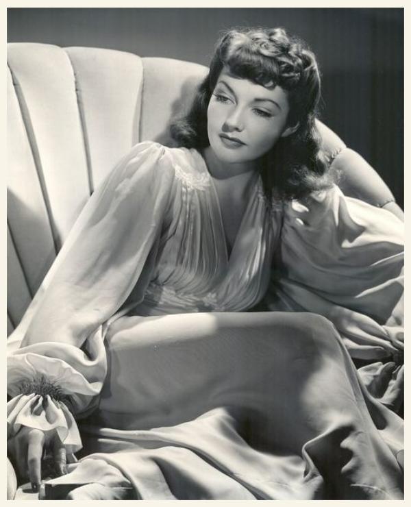 Lynn BARI '40 (18 Décembre 1913 - 20 Novembre 1989)