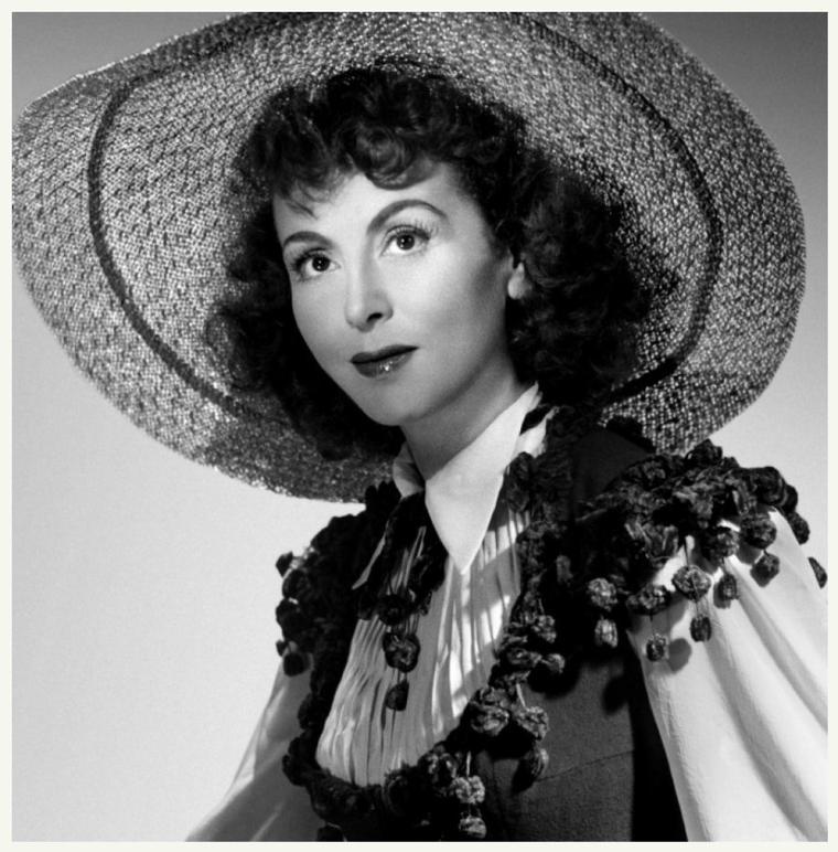 Renée St CYR '30-40-50 (16 Novembre 1904 - 11 Juillet 2004)