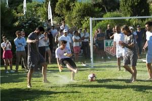 Martin Garrix s'exerce au football avec David Guetta