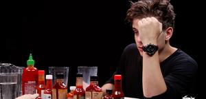 Martin Garrix perd son repas avec de la nourriture méga épicée