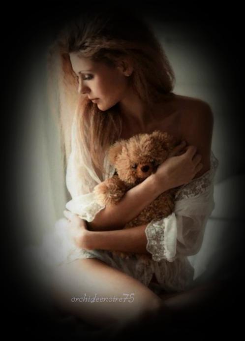 ♥♥♥ ♫ Il pleure dans mon coeur ♫ La solitude du c½ur rend triste et maussade.