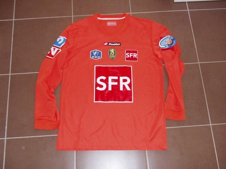 Maillot porté avec Sochaux contre Le Mans en coupe de France saison 09/10 vue de devant