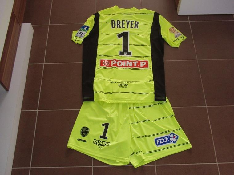 Maillot et short portés avec Troyes en coupe de la ligue à Reims saison 2012/2013 vue de dos